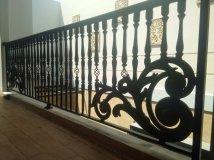 Balkon besi tempa klasik