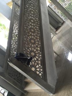 Railing tangga modern krawangan